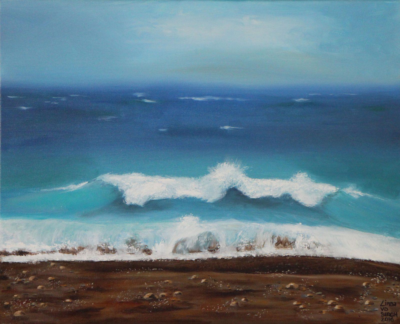 schilderij van een golf op de kust door linda vd bergh