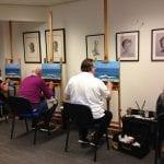 cursisten aan het schilderen bij artstudio linda